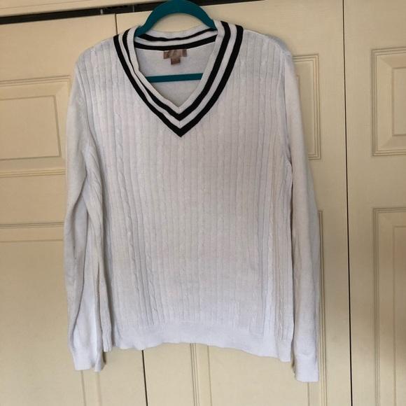 White Stag thin white v neck sweater. M 5adf5c27a825a641117c4e43 73e5fa4e5